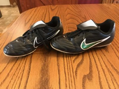 Soccer cleats (youth size 1)