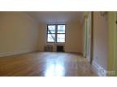 Sun-Filled Studio Home+Huge Dressing Area with Enormous Closets+Real Pics!