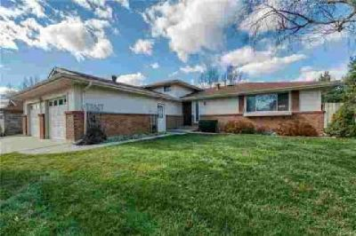 2337 Smith Court Longmont, Welcome home to this spacious 4
