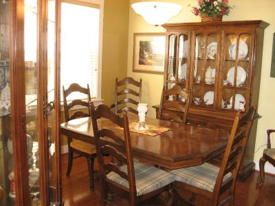 9 pc. Ethan Allen dining room set
