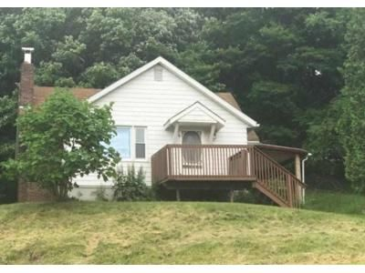 2 Bed 1 Bath Foreclosure Property in Chicora, PA 16025 - Hohn Farm Rd