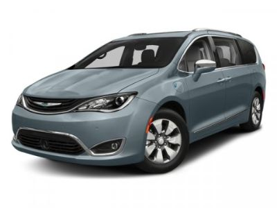 2017 Chrysler Pacifica Hybrid Touring Plus (Bright White Clearcoat)