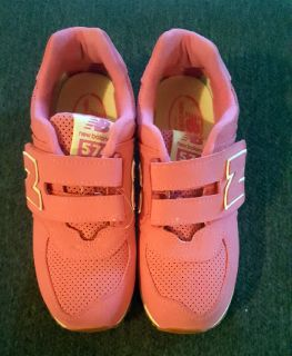 New Girls Youth Size 2 1/2 W Pink New Balance Kids' 574 Essentials Hook and Loop Sneaker $25 Firm