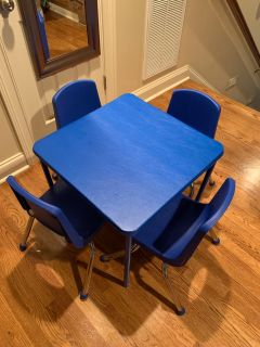 Cosco kids table & 4 chairs