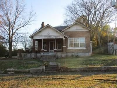 4 Bed 2 Bath Foreclosure Property in Pine Bluff, AR 71601 - W 2nd Ave