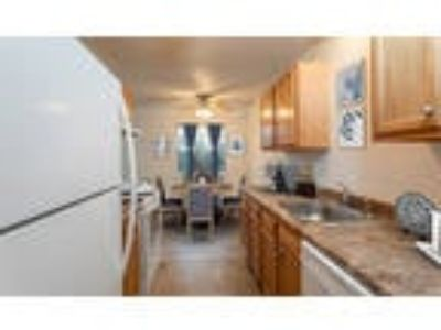 Knollwood Manor Apartments - One BR, One BA 796 sq. ft.