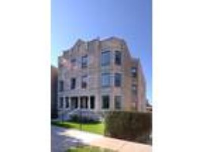 Chicago Three BR Three BA, 4016 North Kenmore Avenue 1SW