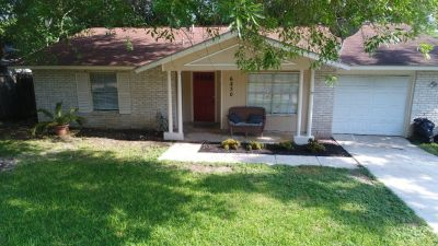 6830 Spring Rose St - Home For Sale 3/2/1 in San Antonio, TX 78249
