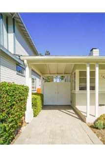 Cute 2 bed For Rent In Studio City.