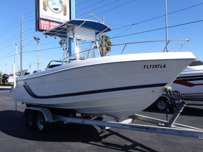 1999 Cobia 204 CC Center Console Boats Holiday, FL
