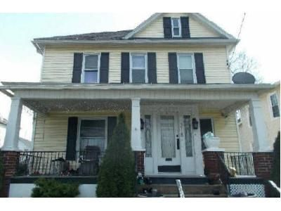 4 Bed 1.5 Bath Foreclosure Property in Moosic, PA 18507 - Main St