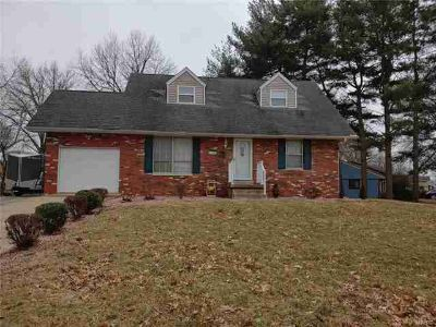 1300 Springfield Drive Belleville Three BR, This lovely home is