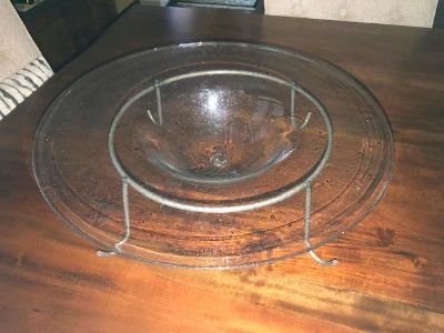 Cool glass bowl and stand