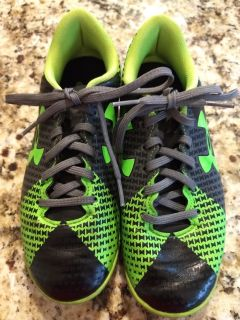 Under Armour youth 3 indoor soccer cleats