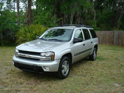 -2005- Chevrolet TrailBlazerLS 2WD Silverstone Metallic  (Houston