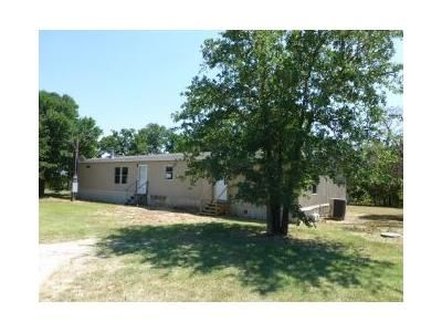 3 Bed 2 Bath Foreclosure Property in Granbury, TX 76048 - Tennessee Trl