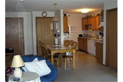 Pet Friendly 3+2 Apartment in Prior Lake