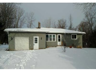 3 Bed 1 Bath Foreclosure Property in Weedsport, NY 13166 - State Route 34