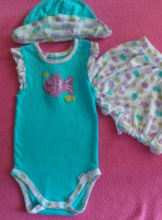 EUC (like new) Gerber 3pc 18m Summer outfit with matching reversible hat