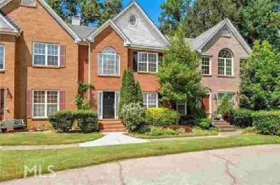 3291 Hampton Green Way Atlanta Two BR, Spacious Townhouse*