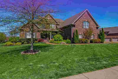 1499 Foxland Blvd GALLATIN Four BR, Lake & Golf Course living!