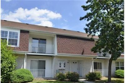 Beautiful Scotch Plains Townhouse for rent. Parking Available!
