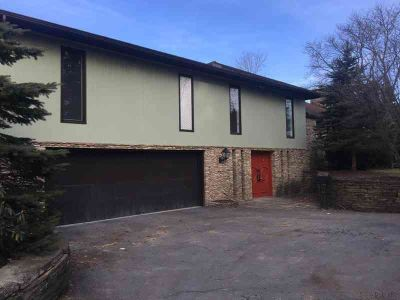 510 Viewmont Ave. JOHNSTOWN, Mid-Century Modern Home in