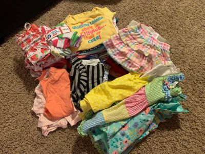Girls 12 month lot of clothes