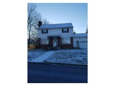 4 Bed 2 Bath Foreclosure Property in Mill Hall, PA 17751 - Jay St