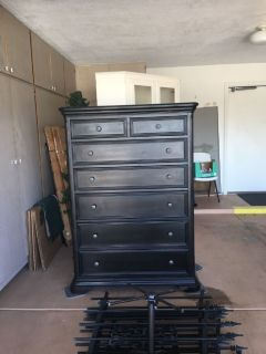 Brand new black chest drawer
