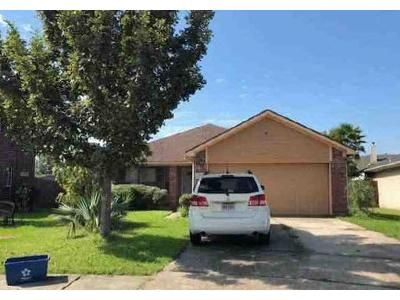 3 Bed 2 Bath Foreclosure Property in Dickinson, TX 77539 - Grand Isle Ln