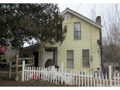 3 Bed 1 Bath Foreclosure Property in Corinth, NY 12822 - Chapman St