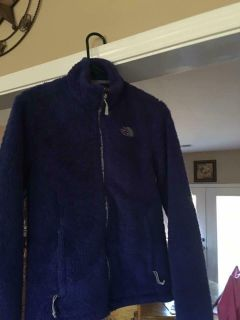 Women's North Face size small jacket ( authentic )