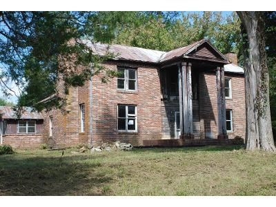 3 Bed 2 Bath Foreclosure Property in Manchester, TN 37355 - Powers Bridge Rd