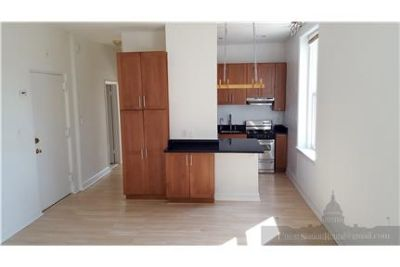Sunny 1BR/1BA Utilities Included! Union Station