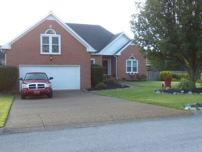 Stunning Three Bedroom Home 1/2 South of Nashville for Rent Starting August 16, 2019