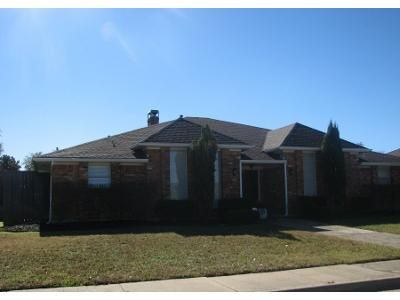 3 Bed 2.5 Bath Preforeclosure Property in Dallas, TX 75243 - Pleasant Valley Dr