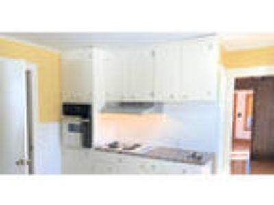Don't miss this one! Private Two BR home to rent in Braintree w/washer and d...