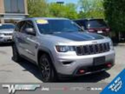 $34980.00 2017 JEEP Grand Cherokee with 6973 miles!