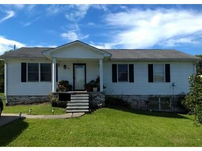 3 Bed 1.0 Bath Preforeclosure Property in Lawrenceburg, KY 40342 - Dove Dr