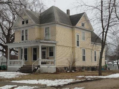 Foreclosure - 3rd Ave, Armstrong IA 50514