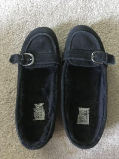 Black suede slippers with warm fuzzy inside size 7.5