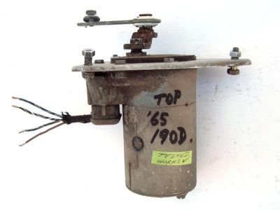 Sell WINDSHIELD WIPER MOTOR, used, works, 1965 Mercedes-Benz 190D W110 motorcycle in Sparks, Nevada, US, for US $80.00