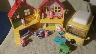 Peppa Pig Play House Set/Camper Van Set