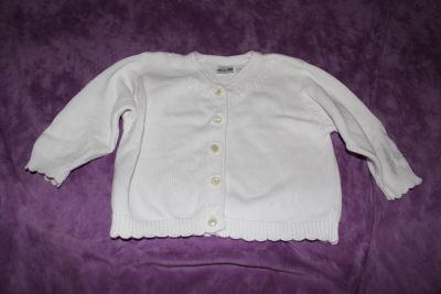 Baby N White Swaater with Pearl Buttons and Scalloped Trim Size 3T