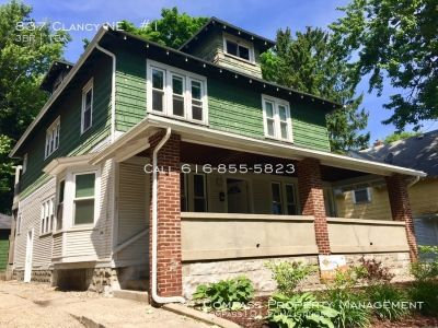 3 Bed 1 Bath - Lower level duplex - Near Medical Mile - Water Included!