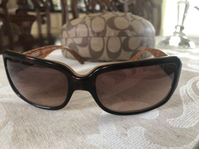 Coach sunglasses with case (authentic) - Guc - cppu