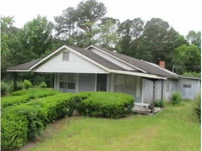 3 Bed 1 Bath Foreclosure Property in Sale City, GA 31784 - Ga Highway 93