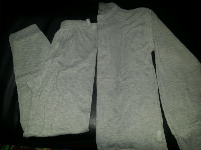 Gray Thermal pants and long sleeve size s adult