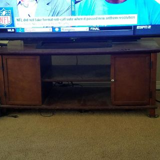 MOVING TV Stand